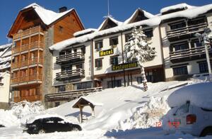 """Foto del exterior de """"Hotel Tirol"""""""
