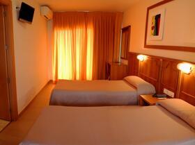 """Foto de una habitación de """"Hotel San Luis"""""""