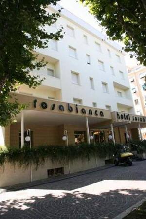 """Foto del exterior de """"Hotel Rosabianca"""""""