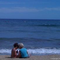 Niños en la playa de Calafell