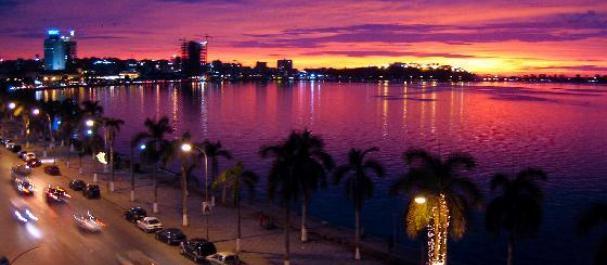 Fotografía de Angola: Luanda de noche