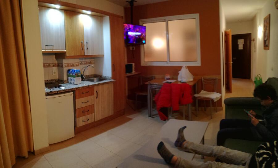 Contemporáneo Apartamento Cocina Terapia De Rehabilitación Modelo ...