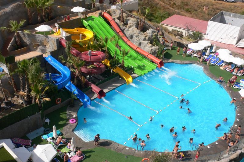 Oferta hoteles con parque acu tico en sur de espa a for Ofertas de piscinas