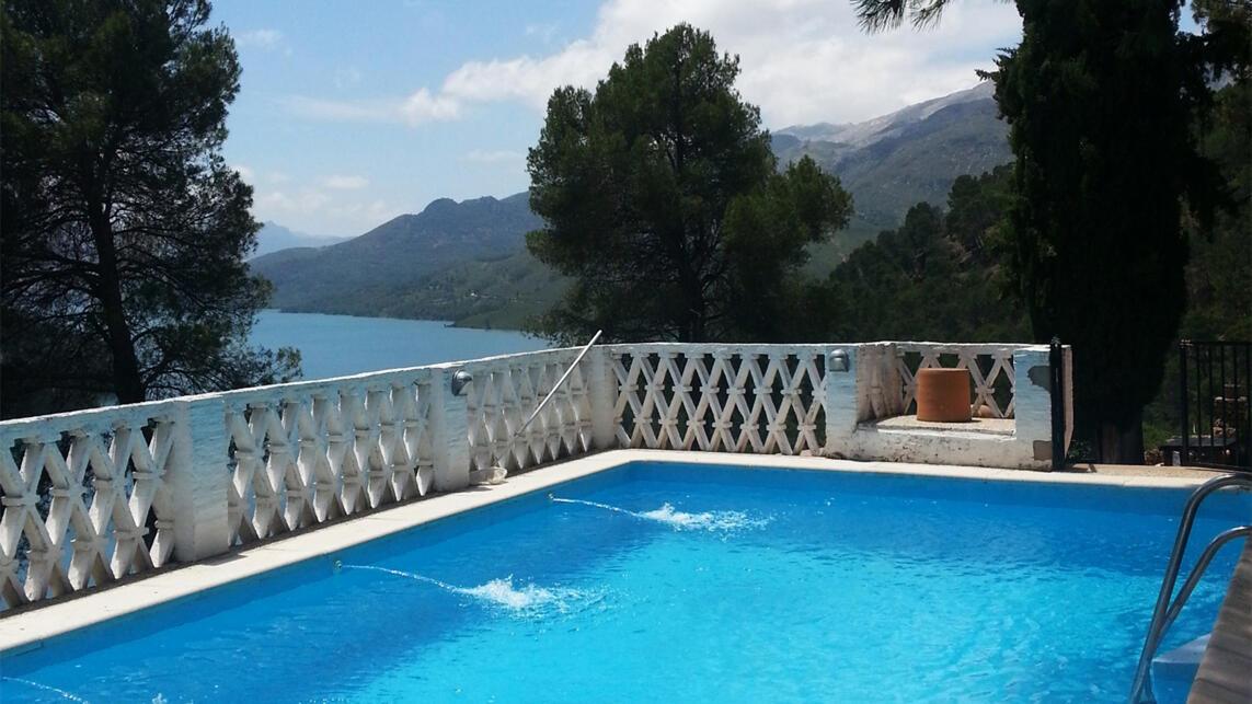 Las 5 mejores casas rurales con piscina de espa a for Las mejores casas rurales con piscina