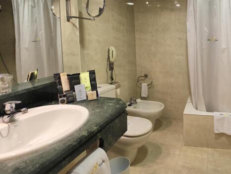 Casa de banho - Hotel Ilunion Bilbao (ex Confortel)