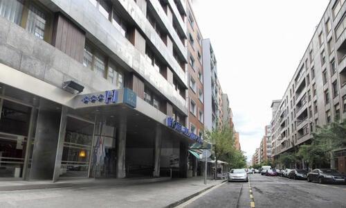 Foto degli esterni Hotel Ilunion Bilbao (ex Confortel)