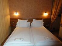 """Foto de una habitación del """"Hotel y Apartamentos Anyós Park"""""""
