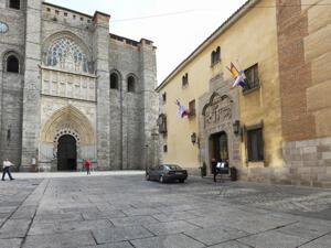"""Foto del exterior de """"Hotel Palacio Valderrábanos"""""""