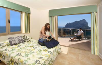 Foto degli esterni Apartamentos Esmeralda Suites