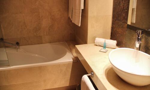 Casa de banho - El Plantío Golf Resort