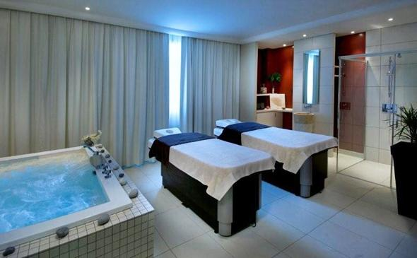 Hotel Park And Suite Val D Europe