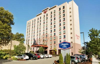 Exterior – Hotel Hampton Inn New York - La Guardia Airport
