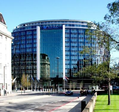 Exterior – Park Plaza Westminster Bridge London