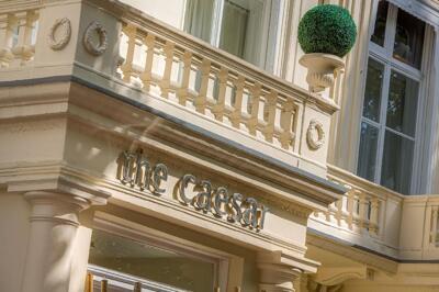 Foto del exterior de Caesar Hotel