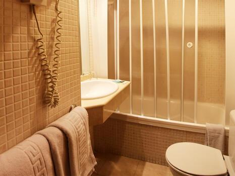 Foto del bagno Hotel Bilbao Jardines