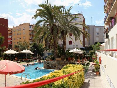 Außenansicht - Apartamentos Mar Blau Calella