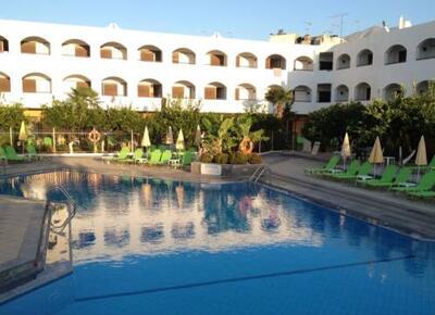 Foto del exterior de Hotel Malia Holidays