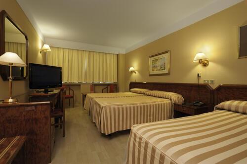 Room – Tulip Inn Andorra Delfos