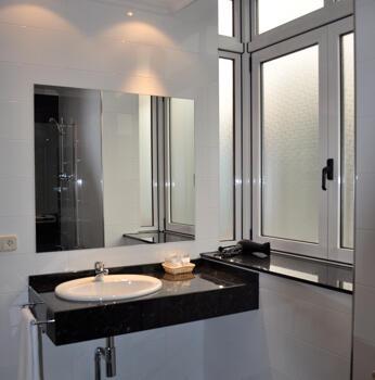 Badezimmer - Hotel Crunia