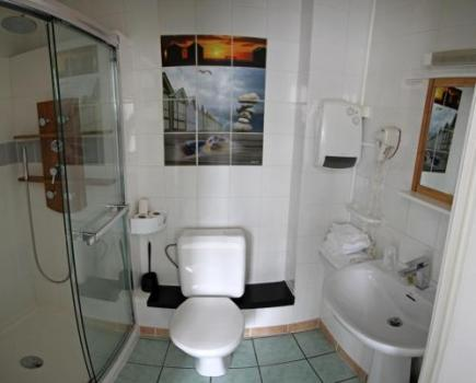 Foto del baño de Logis Le Neptune