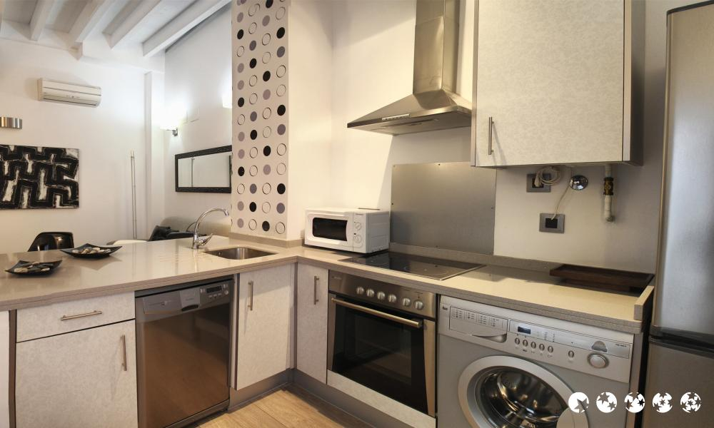 Apartamentos siete revueltas singular sevilla for Alquiler de apartamentos en sevilla espana