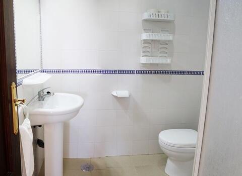 Foto del baño de Apartamentos Conil Alquila