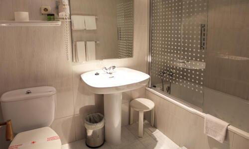 Foto del baño de Hotel Aragüells