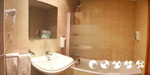 Foto del baño de Aparthotel Nou Vielha