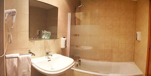 Badezimmer - Aparthotel Nou Vielha