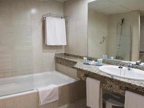 Bathroom – Hotel Best Benalmadena