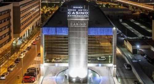 Foto del exterior de NH Gran Hotel Casino de Extremadura