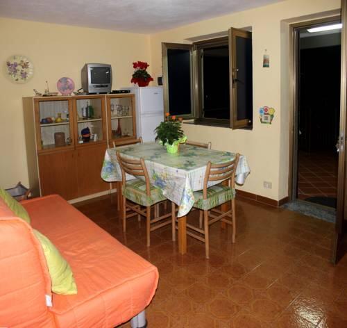 Casa Con Terrazza E Vista Mozzafiato, Capo d\'Orlando - Reserving.com
