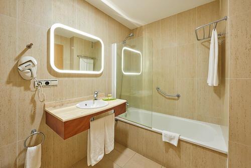 Foto del baño de Hotel Benahoare