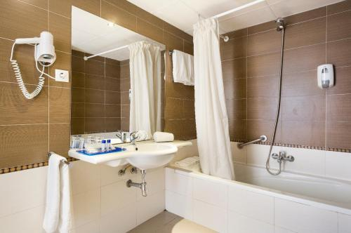 Bathroom – Hotel Best Terramarina