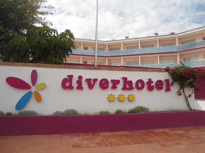 Außenansicht - Diverhotel Dino Marbella