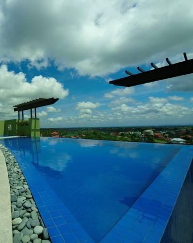 Bild - One Tagaytay Place Hotel Suites