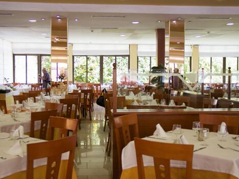Foto de restauración de Hotel Monarque Fuengirola Park
