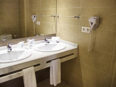 Foto del baño de Hotel Mainare Playa