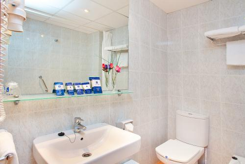 Foto del bagno Hotel RH Riviera - Adults Only