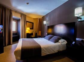 """Foto de una habitación de """"Hotel Monasterio Benedictino"""""""