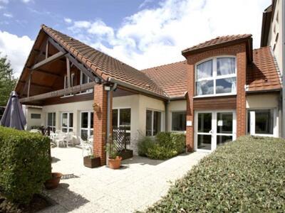 Foto del exterior de Hotel Kyriad Lille Lomme