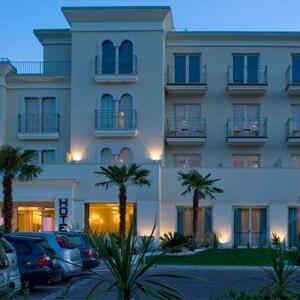 "Foto del exterior de ""Hotel Nazionale"""