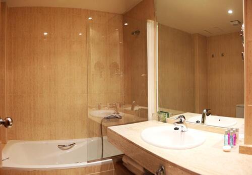 Badezimmer - Hotel Spa Acevi Val d'Aran