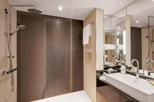 Foto del baño de Courtyard by Marriott Zurich North
