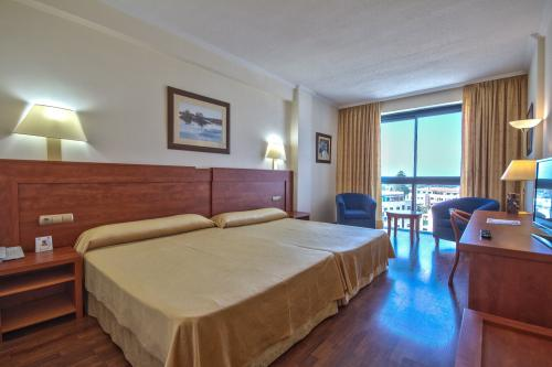 Room – Port Denia