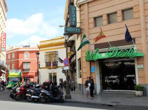 """Foto del exterior de """"Hotel Derby"""""""