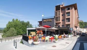 "Foto exterior del ""Hotel Sánchez"""