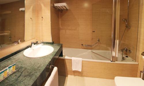 Badezimmer - Senator Granada Spa Hotel