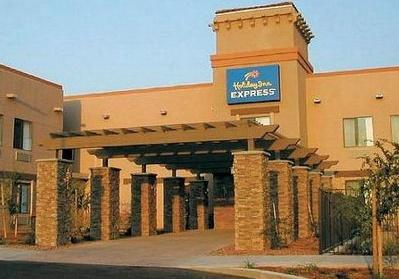 The Tombstone Grand Hotel Ex Holiday Inn Express Tombstone Tombstone Centraldereservas Com