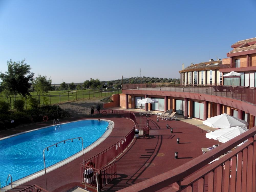 Hotel layos golf layos for Hotel toledo piscina